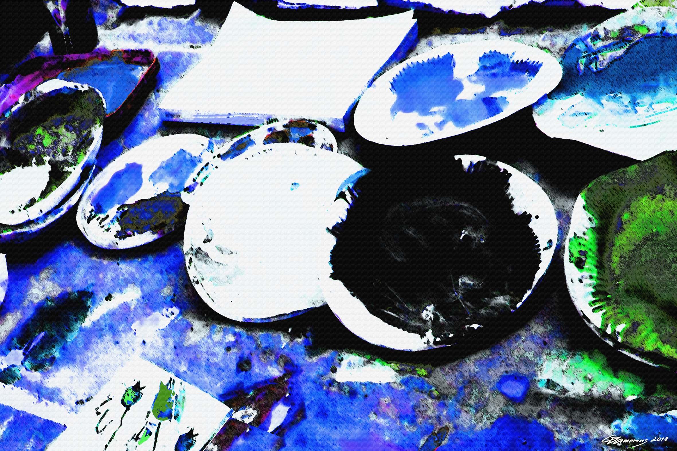pappteller auf blauem tisch,CHRISTIAN DAMERIUS,kunstdrucke moderne malerei online kaufen,moderne bilderwände gestalten,einrichtungshäuser kunstdrucke kaufen,